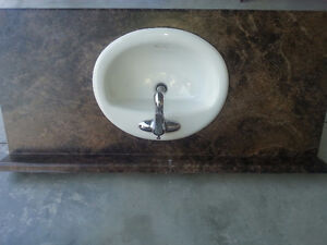 Almost new faucets ***countertop***