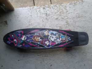 skateboard 22po monster high