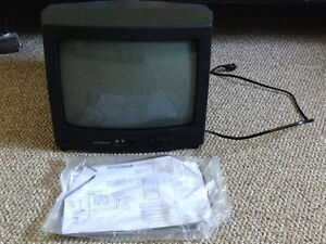 Small TV with Remote and Manual - Works! Stratford Kitchener Area image 1