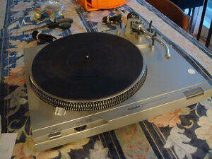 Technics  SL-D2 Turntable - direct drive