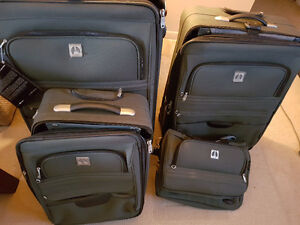 New Luggage Travel 4 Piece Set Travelpro 10 year warranty