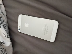 iPhone 5s for sale. Locked with rogers. Price negotiable London Ontario image 2