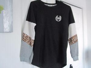Victoria Secret Pink - Sweat Shirt - Size Small - New