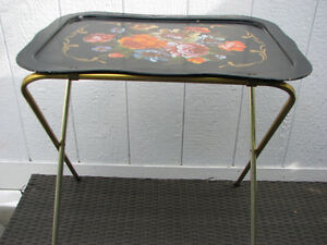 Vintage tole floral TV stand tray collapsible