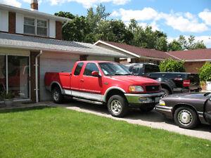 1997 Ford F-150 XLT Pickup Truck