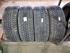 4 pneus d hiver toyo 195 55 15 avec ou sans les roues