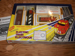 Electric train set with tracks