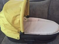 Mamas And Papas New Zoom Carry Cot