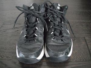 Kids Unisex Nike Basketball Shoes Size 7
