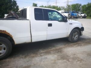 2005 Ford F-150 (Parting Out)