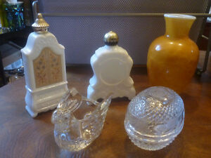Collection Avon, bibelots, vase, chandeliers, verre, tasse.