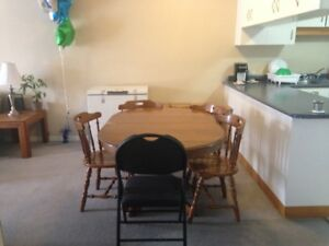 Large Clean Licensed 6 Bedroom house On Direct Bus Route