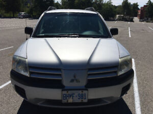 2005 Mitsubishi Endeavor LS AWD- well cared for