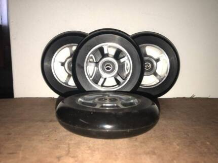 SCOOTER WHEEL ALLOY 110MM WITH ABEC 9 BEARING BLACK CORE
