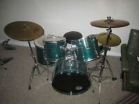 Yamaha - Stage Custom 5-Piece Drum Kits - Hardware and Cymbals