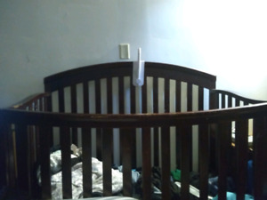 4 in 1 convertible crib, Unslept. 100$