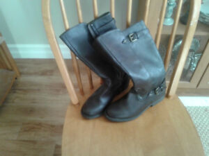 Girl's size 4 Brown boots