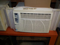 WINDOW  AiR  CONDITIONER  5200  BTU  BY  MAYTAG