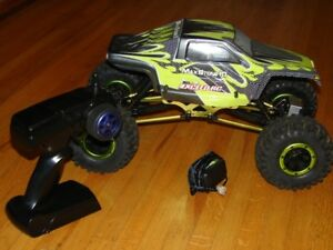 For Sale: RC Maxstone Crawlwer 10