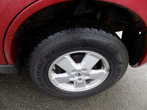 2012 Ford Escape 2WD, $4,800.00 High KM'S Call 727-5344 St. John's Newfoundland image 7