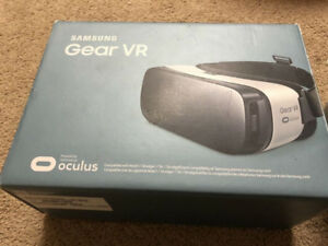 Samsung gear VR - like new condition