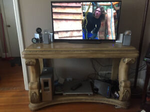 6 Pc High End furniture and Smart Tv