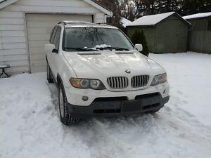 2005 BMW X5 4.4 SUV, Crossover