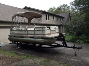 2005 SOUTHLAND 18' PONTOON FULL ENCLOSURE with TRAILER
