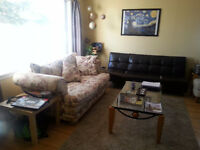 3 BDRM MAIN FLOOR, INNER CITY, 10 MIN TO LRT, MRU GARAGE $1199