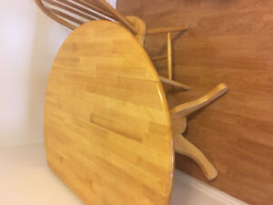 Solid pine circular table with 3 pine chairs
