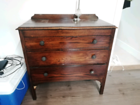 Vintage chic chest of drawers