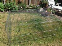 Wire rabbit/small animal run 140 X 112cm