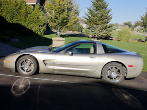 2001 Corvette coupe with only 83200 kms