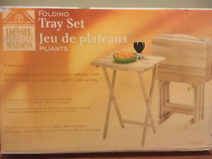 (NEW IN BOX) 5pc Solid Wood Tray Table Set