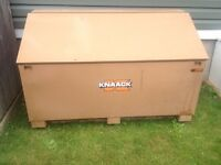 KNAACK Box
