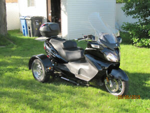 Suzuki Burgman 650 Executive 2008 avecTrike