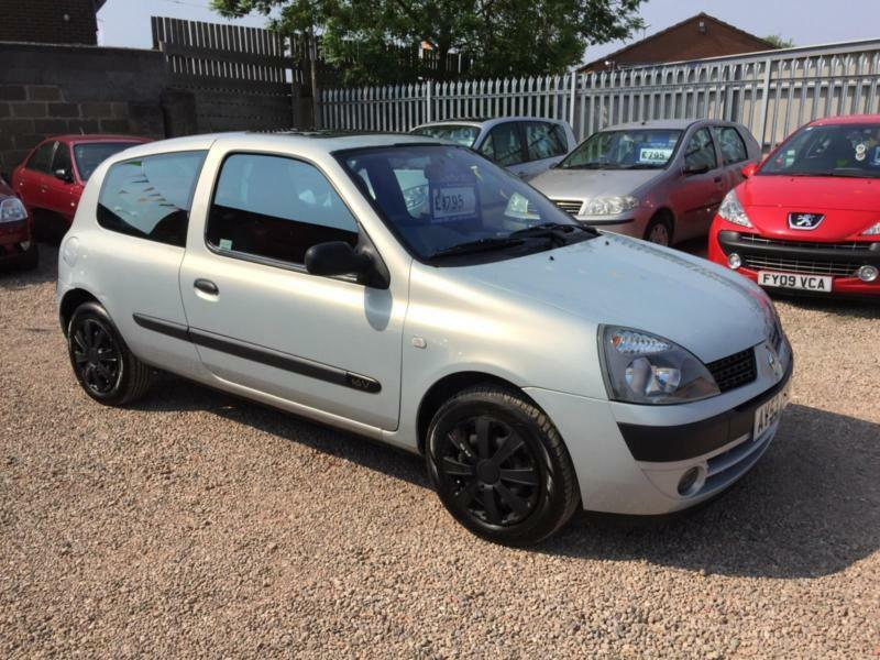 2003 53 renault clio 1 2 16v extreme 2 silver 3dr hatch any px welcome in lincoln. Black Bedroom Furniture Sets. Home Design Ideas