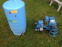 pompe a piston pour puit avec bombonne pour pression a 250$