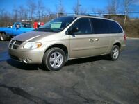 2005 dodge grand caravan runs very well   BEST OFFER TAKES IT