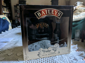 Baileys Fondue Set/Kit with Marshmallows and forks.