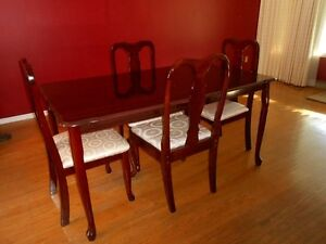 Rosewood DiningTable & Chairs