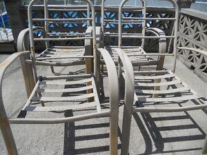 6 chaises exterieures en acier