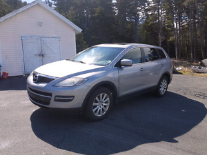 2007 Mazda CX-9  AWD low miles 3rd row seating