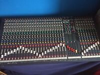 Soundcraft lx7ii 32 channel mixer