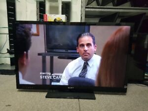 """SONY 46"""" LED 3D SMART TV MINT CONDITION $399"""