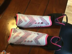 Girls Soccer Shoes Size 8.5 London Ontario image 7