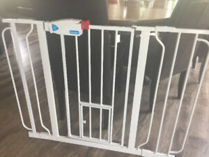 Carlson Pet gate with small animal door
