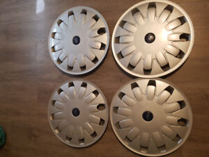 "16"" ford hubcaps set of 4"