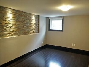 New Reno'd 5 Bedroom Steps To Fanshawe All Inclusive+Internet