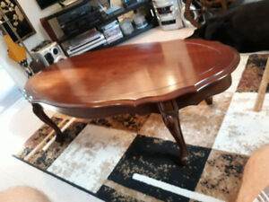 COFFEE TABLE QUEEN ANNE